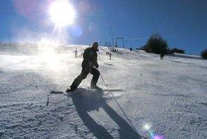 Na Bezovci sa aktuálne lyžuje.