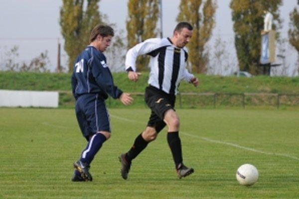 Domáce víťazstvo Hrnčiaroviec nad Dolnou Krupou bolo premiérovým v sezóne pre zverencov trénera Tomaškoviča.