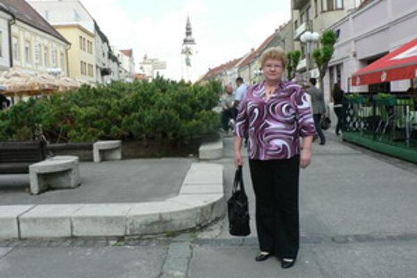 Staničná sestra z oddelenia šestonedelia si užíva prvý týždeň na dôchodku.