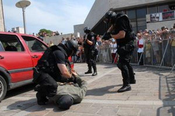 V rámci tohtoročného Dňa polície sa ľuďom predvedú aj kukláči a policajné psy.