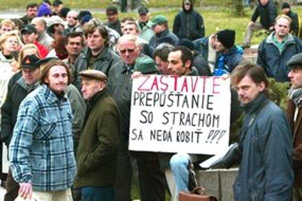 Mnohé firmy v Trnavskom kraji si chcú svojich zamestnancov udržať.