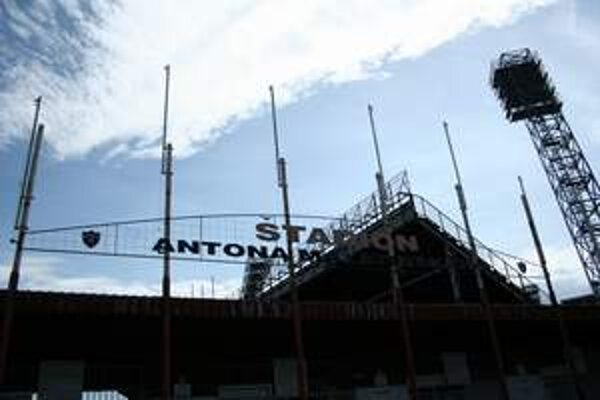 Švajčiari chcú do prestavby štadióna a okolia investovať 133 miliónov eur.
