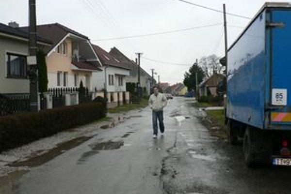 Rajčurská ulica by sa mala stať v budúcnosti hlavnou tepnou Modranky.