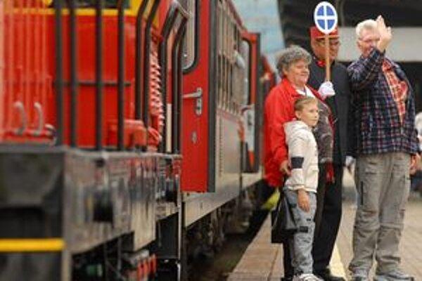 Počas veľkonočných sviatkov bude po drhach slovensých želenzníc premávať o tridsať vlakov viac.