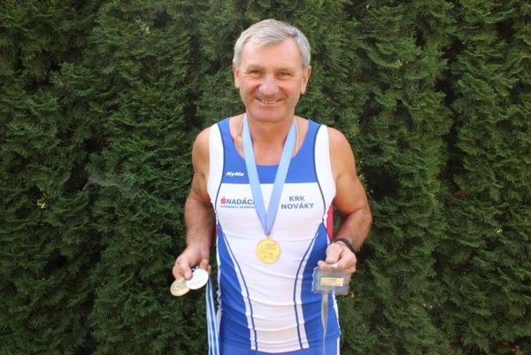 Šišmiš a jeho medaily.