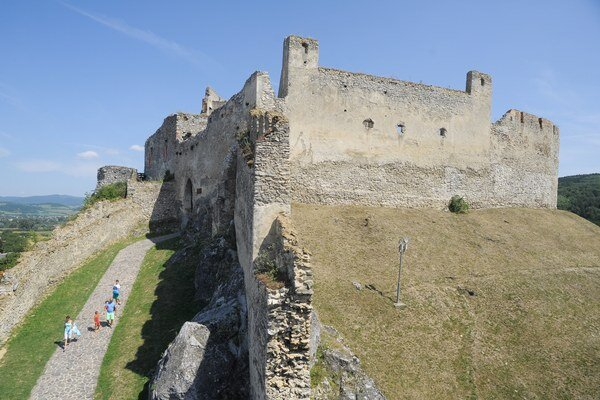 Model Beckovského hradu pribudol do Parku miniatúr v Podolí