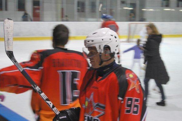 Michal Martikán sa najviac tešil z novej hokejky.