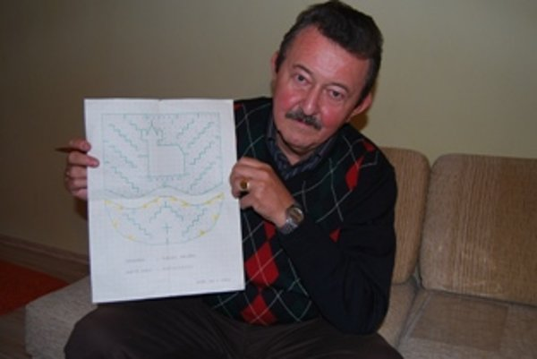 Jozef Vaško vytvoril aj krížovku v podobe erbu Nového Mesta nad Váhom