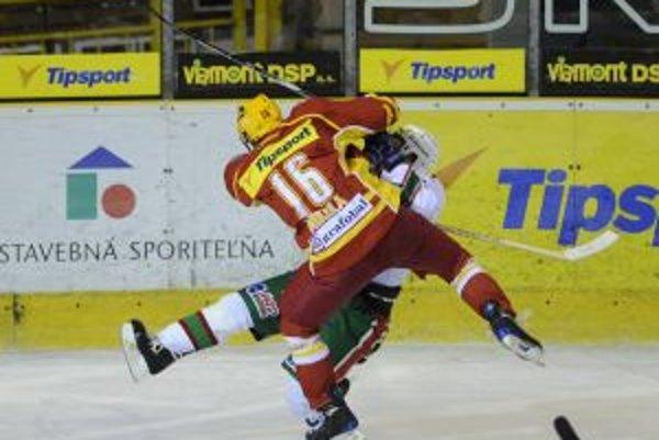 Dukla so Skalicou nevzládla prvú tretinu, ktorá rozhodla o tom, že si tri body odvezú Záhoráci.