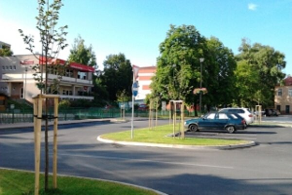 ekonštrukcia centrálnej mestskej zóny pokračuje stavebnými prácami na bývalom parkovisku.