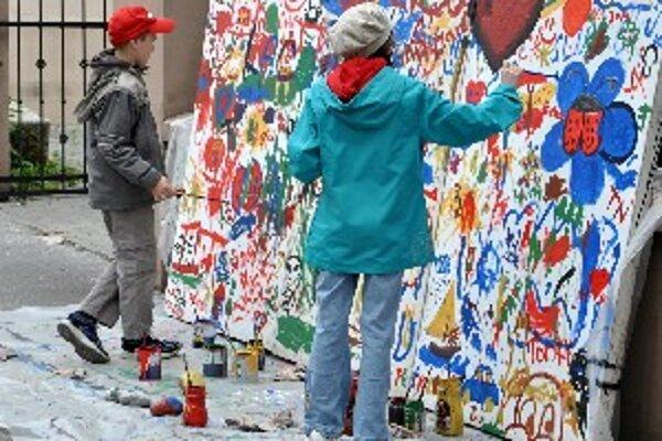 V Galérii Miloša Alexandra Bazovského sa počas minulého ročníka Noci múzeí a galérií maľoval spoločný obraz.