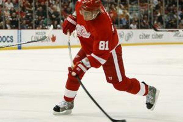 Marián Hossa je siedmym slovenským hokejistom, ktorý prekonal hranicu 700 bodov v NHL.