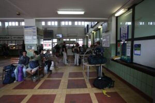 Železničná stanica v Trenčíne obnovu potrebuje