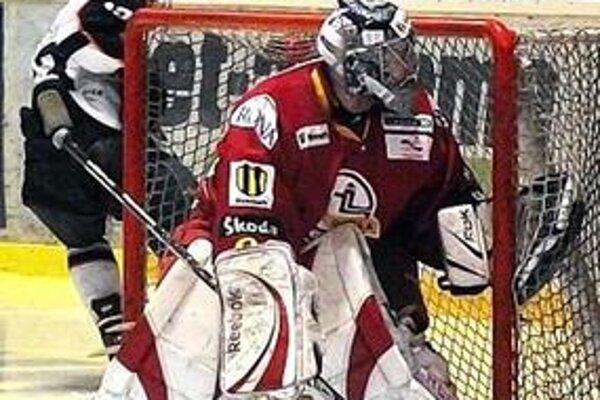 Ani kvalitný výkon Juraja Gašparoviča juniorom Dukly nepomohol k víťazstvu na ľade Košíc.