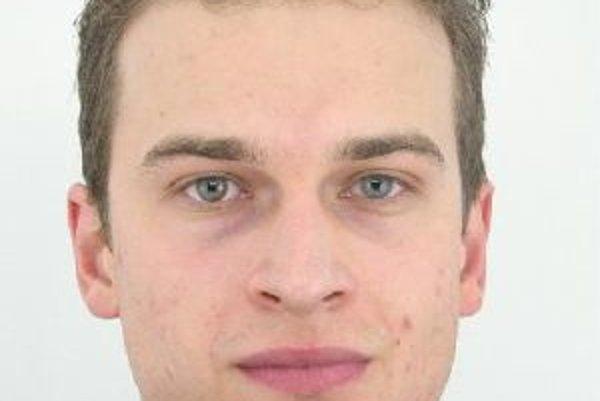 Tomáš Záhumenský má štíhlu postavu, vysoký je asi 185 cm, má svetlo-hnedé vlasy ostrihané na krátko a modré oči.