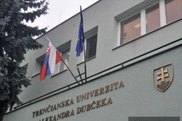 Tajná voľba rozhodne o novom rektorovi TnUAD