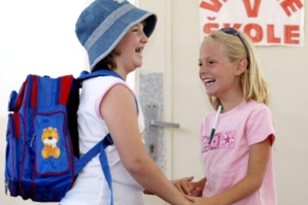 V septembri by malo do škôl nastúpiť viac prvákov ako vlani