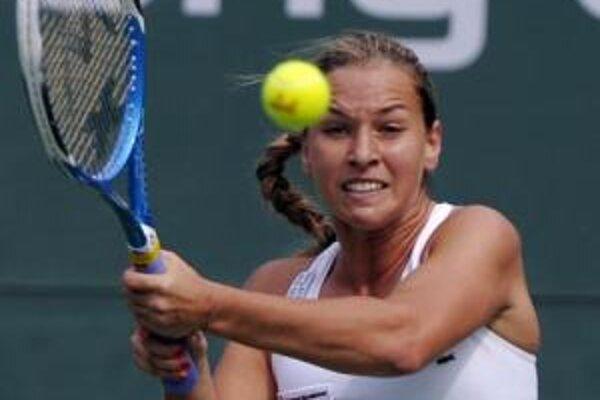 Dominika Cibulková počas zápasu so Svetlanou Kuznecovovou