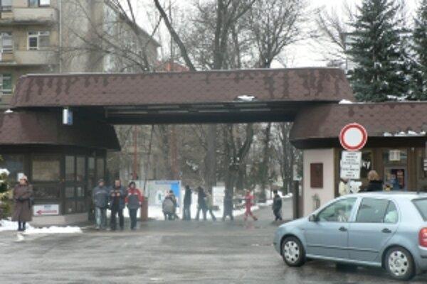 Nemocnice v kraji musia pracovať na oddlžení. Trenčianska fakultná má dlhy vo výške cez 15 miliónov eur.