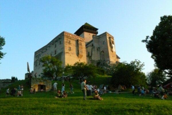 Návštevnosť hradu neklesla, podľa riaditeľky múzea je to úspech