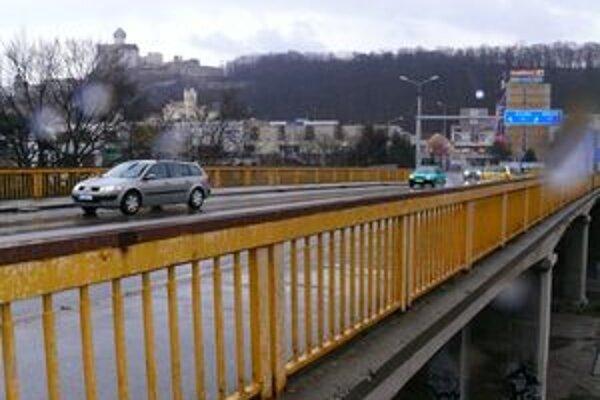 Nový most sľubujú Trenčínu už dlho