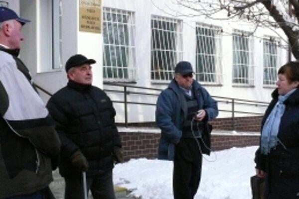 Obyvatelia Majského bytoviek sa zúčastňujú súdnych pojednávaní už niekoľko rokov.