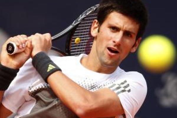 Novak Djokovič sa môže v sobotu posunúť na druhé miesto rebríčka pred Rafaela Nadala.