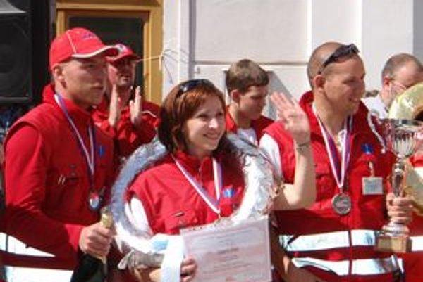 Za záchranu života a činnosť v rýchlej zdravotnej pomoci získala Beáta Macejková ocenenie Modrú hviezdu života.
