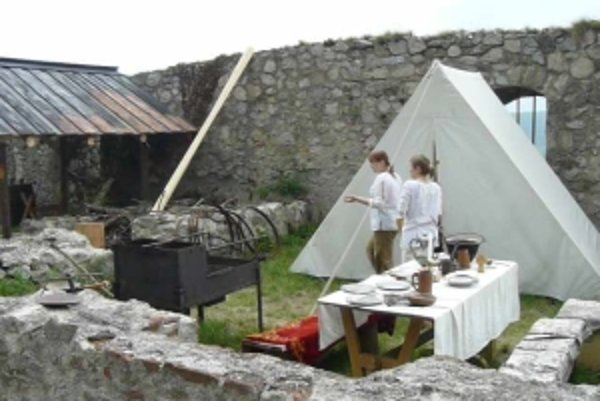 Dobový tábor rozoberú na konci prázdnin a opäť ho postavia o rok, podľa počasia v máji alebo júni.