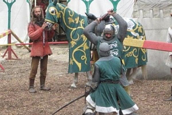 Normani zostanú na Trenčianskom hrade do 26.júna.