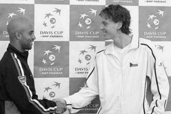 James Blake (vľavo) a Tomáš Berdych nastúpia v dnešnom druhom singli zápasu Česko – USA v Ostrave.