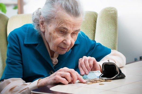 Nízke dôchodky. Nútia seniorov obracať každý cent.