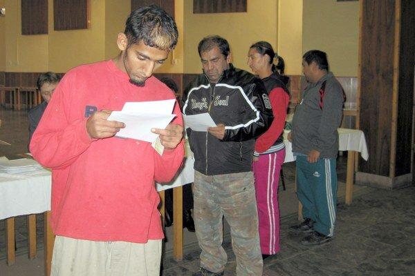 Poslanci SaS budú v Jarovniciach dohliadať na to, či sa nekupujú hlasy miestnych Rómov.