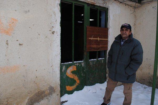Michal Kašo. Mrzí ho, že budovu zatvorili.