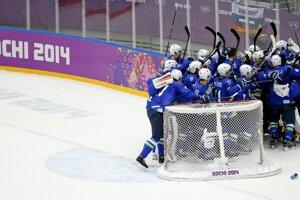 Slovinsko zdolalo Rakúsko 4:0 a postúpilo.