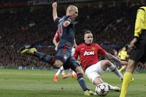 Centruje Arjen Robben z Bayernu Mníchov.