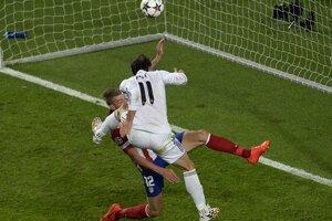 Gareth Bale strieľa víťazný gól.