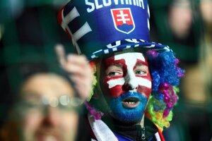 Futbal spojil slovenských fanúšikov. Na žilinské tribúny ich prišlo viac ako desaťtisíc.