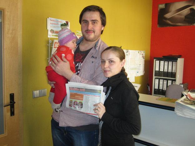 Peter a Petra Ožvátovci s dcérou Peťkou.