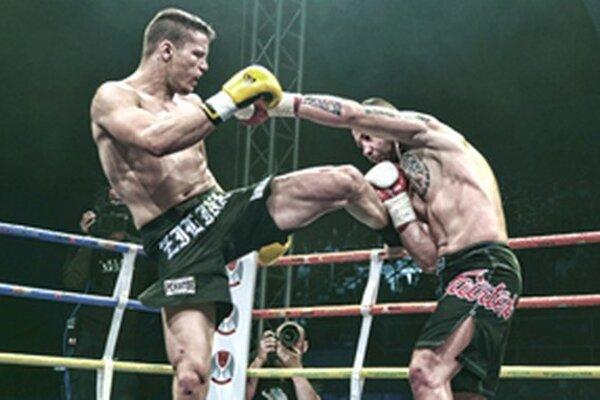 Tomáš Šenkýr (vľavo) bude bojovať o titul majstra sveta.