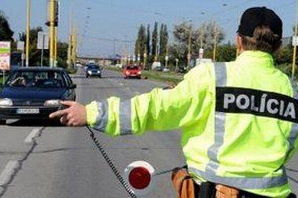 Polícia v Žilinskom kraji sa opäť zamerala na kontrolu zákazu požívania alkoholických nápojov vodičmi motorových a nemotorových vozidiel.