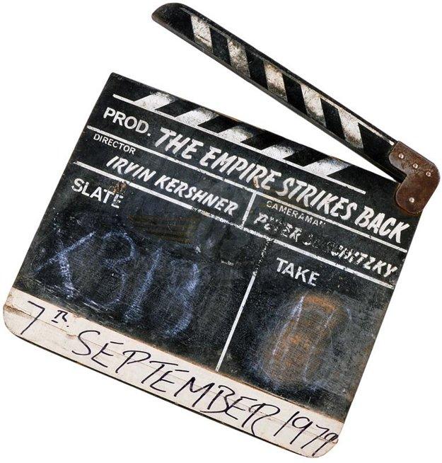 Z vyvolávacej ceny 6000 dolárov sa ošúchaná klapka z piatej epizódy Hviezdnych vojen – Impérium vracia úder (1980) vyšplhala až na 38 500.