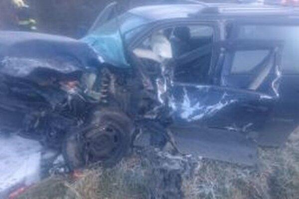 Dnes pred pol siedmou ráno zasahovali hasiči z hasičských staníc v Žiline a Rajci pri dopravnej nehode dvoch osobných motorových vozidiel.