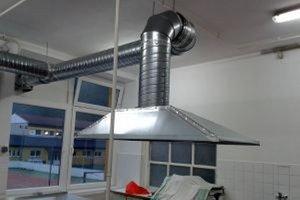 Varenie bolo pre kuchárky komplikované, preto sa obec rozhodla pre opravu školskej jedálne.