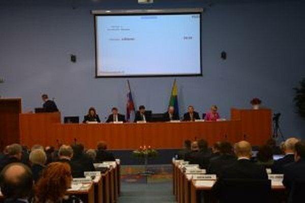 Poslanci župy schválili rozpočet v závere roka.
