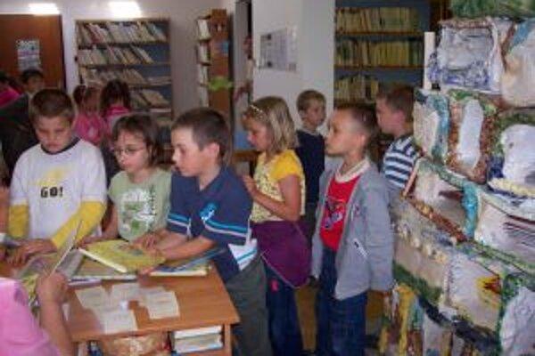 Knižnice sa snažia motivovať svojich čitateľov už od malička.