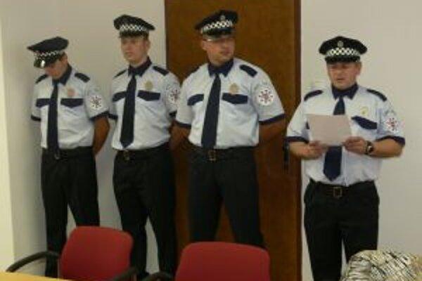 O poriadok v meste sa starajú štyria mestskí policajti.