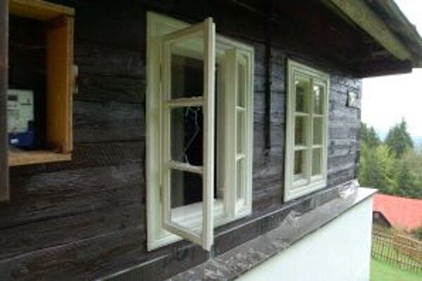 Za mrežami môže Turzovčan, ktorý sa vlámal do dreveníc, stráviť dva roky.