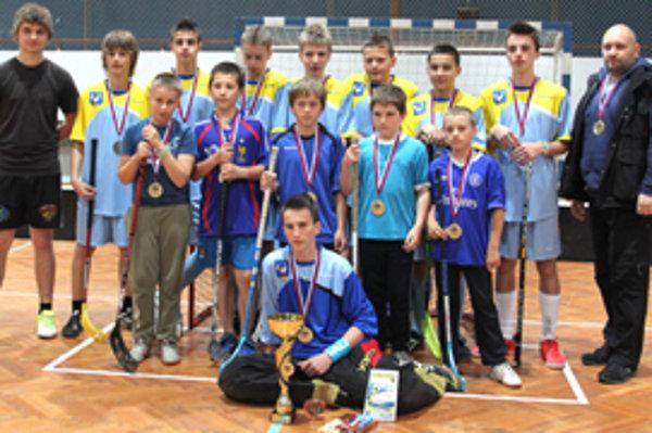 ZŠ Svrčinovec, víťaz florbalovej ligy juniorov.