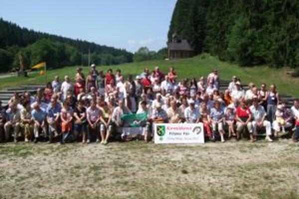 Minulý rok sa Kováčikovci stretli v Čiernom Balogu.